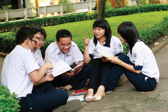 Học nhóm là một trong những bí kíp giúp bạn ôn thi hiệu quả