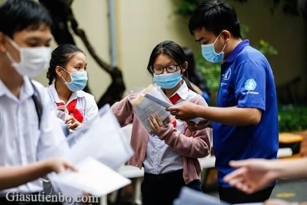 Thành phố Hồ Chí Minh hoãn thi vào lớp 10 năm học 2021-2022